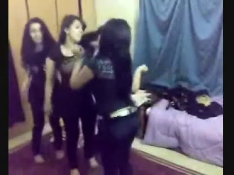 Saudi Arabia Gilrs Dancing