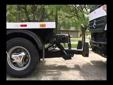 CAVALO MECÂNICO - video mostrando o guinchamento de um Axor 2035.