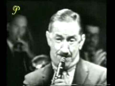Pee Wee Russell-1958 online metal music video by PEE WEE RUSSELL