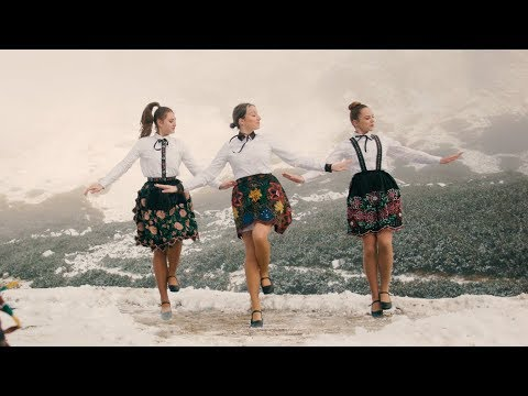 Задорный танец девчат