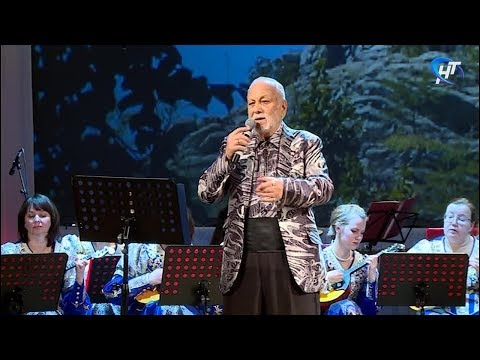 Аншлаг накануне вечером собрал юбилейный концерт народного артиста России Бедроса Киркорова