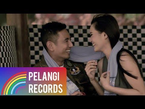Download Lagu Pop - Rio Febrian - Mengerti Perasaanku (Official Music Video) | Soundtrack Siapa Takut Jatuh Cinta Music Video