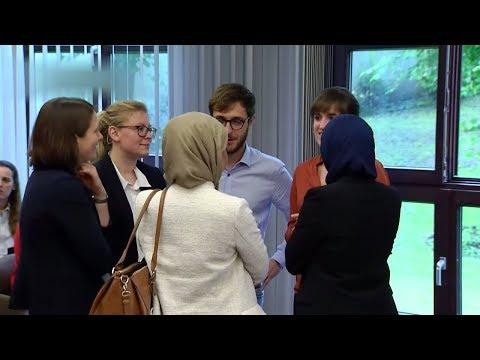 Berlin: Verbot von Kopftüchern für Lehrerinnen ist verfassungskonform