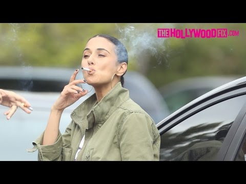 Emmanuelle Chriqui Takes A Cigarette Break At Channing Tatum's Birthday Party 4.26.17 (видео)