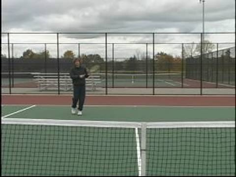 Tennis Lessons for Beginning Players : The Hitting Position in Tennis
