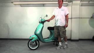 9. 2013 Vespa LX 150 Aquamarine Overview & Accessories