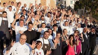 Il 10 Aprile 2017, 25 tra chef, pastry chef, pizzaioli e mixologist si sono dati appuntamento al Palazzetto dell'Hotel Hassler per dar vita a una grande festa in favore di CABSS, il Centro Assistenza per Bambini Sordi e Sordociechi. Questo è reportage di Spezial Party, un grande tributo alle spezie in cucina, una  serata dalla straordinaria energia gourmet. Visita: http://italiasquisita.net/Seguici su: https://www.facebook.com/pages/ItaliaSquisita/147031685608https://twitter.com/italiasquisitaContattaci:info@italiasquisita.net