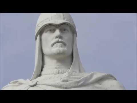 памятник Александру Невскому у вокзала