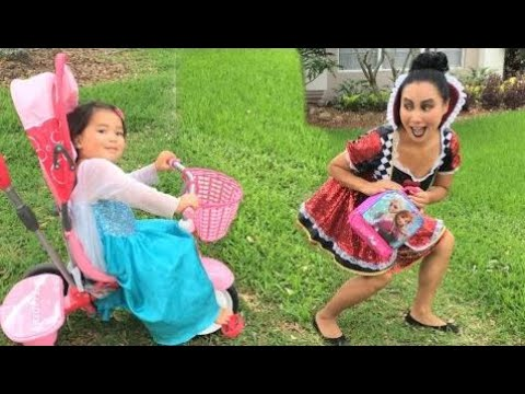 Video Frozen Elsa Baby vs Evil Queen, Playground Lunch thief! w/ Giant Elsa, Traffic cop, snow white HD download in MP3, 3GP, MP4, WEBM, AVI, FLV January 2017