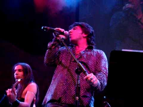 Terry Ilous & Ethan Brosh – What Keeps Me Loving You(XYZ)