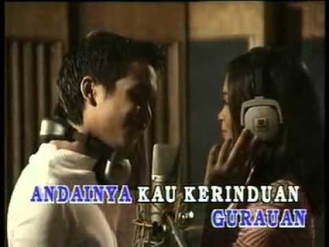 Memori Berkasih - Siti Nordiana   Achik Spin - YouTube.flv