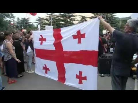 Γεωργία: Διαδηλώσεις για τα 10 χρόνια από τον πόλεμο με τη Ρωσία…