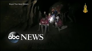 Video Boys' soccer team and coach found alive in Thailand cave MP3, 3GP, MP4, WEBM, AVI, FLV Maret 2019