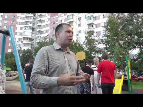 Жители Новокосино прогоняют провокаторов. - DomaVideo.Ru