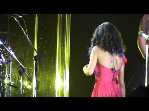 Tekst piosenki Selena Gomez - Mr. Saxobeat po polsku