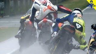 Video 5 Kejadian Unik Saat Race MotoGP MP3, 3GP, MP4, WEBM, AVI, FLV Januari 2019
