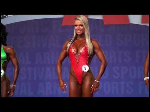 Лариса Реис на 2010 Arnold Classic