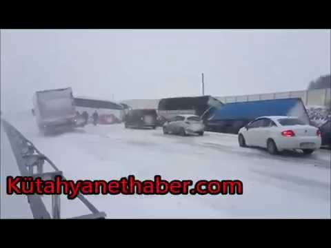 Kütahya Afyonkarahisar yolu zincirleme trafik kazası