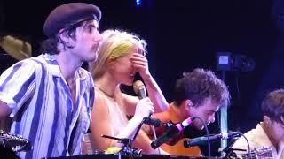 Video Paramore - Hayley Cries During 26 @ Merriweather Post Pavilion, MD 6/23/18 MP3, 3GP, MP4, WEBM, AVI, FLV Juli 2018