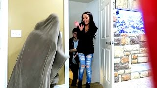 BASEMENT MONSTER PRANK!!