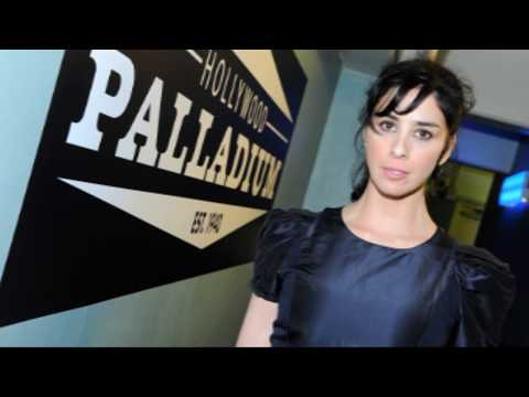 Sarah Silverman Gets Top less In New TV Show - iO Recap