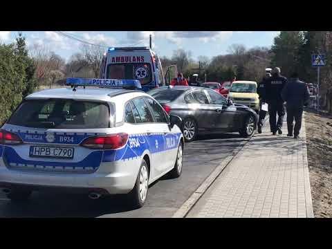 Wideo: Potrącenie rowerzysty w Niemstowie. Akcja z udziałem śmigłowca LPR