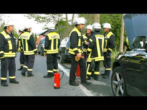 Schmorbrand im Motorraum (Langenholthausen, Balve, Garbeck)
