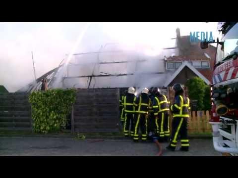 Grote brand woonboerderij Stevensweg Dordrecht