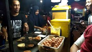 Video Wisata Kuliner Makassar - Daeng's Burger MP3, 3GP, MP4, WEBM, AVI, FLV November 2018