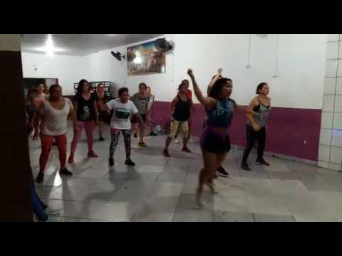 Aula de dança na Academia Performace em Xinguara-PA com Prof de Dança Adriana Gama Musica Metelá