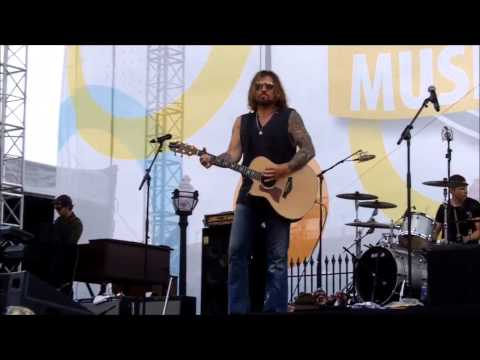 "Billy Ray Cyrus - ""Trail Of Tears"" - CMA Music Festival 2014"
