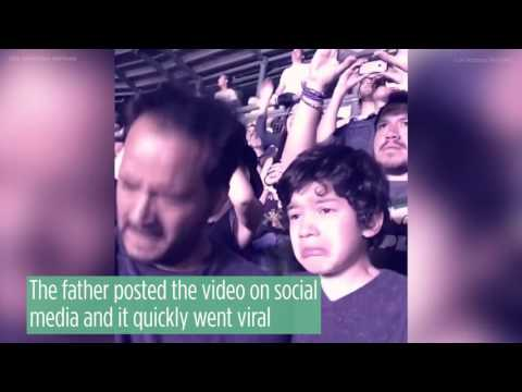 Touching Video of a Boy with Autism at #Coldplay Concert