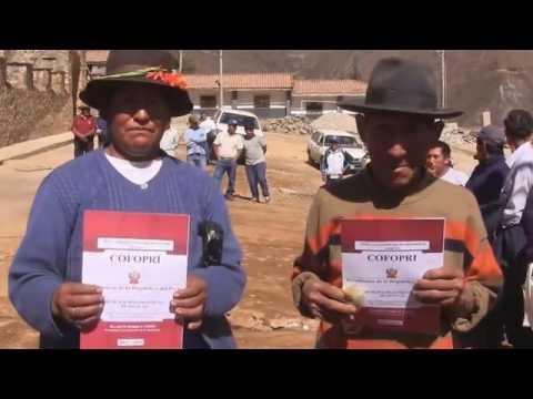 EMUNICIPALIDAD DE ABANCAY ENTREGO TITULOS DE PROPIEDAD EN LAMBRAMA Y CAYPE