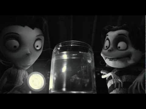 Frankenweenie - clip Goldfish reanimated - Available on Digital HD, Blu-ray and DVD Now