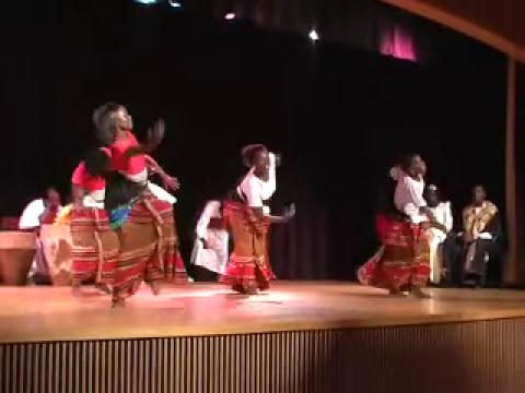 Ugandan Traditional Dance-BAKISIMABA MUWOGOLA