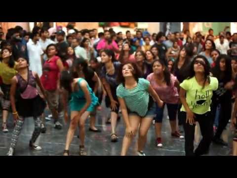 flash mob - Flash Mob at Elante Mall powered by Vodafone.
