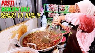 Download Video BIKIN NGIRI !!! JUALAN DI PINGGIR JALAN SEHARI DAPAT 10 JUTA !!! NASI CUMI PASAR ATOM MP3 3GP MP4