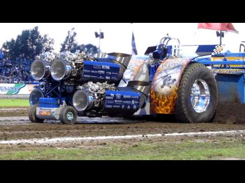 Tractor Pulling Putten 2011 Whispering Giant finale 4500kg modified Beach Pull