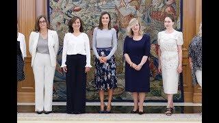 S.M. la Reina recibe a una representación de la Asociación Professional Women's Network Madrid