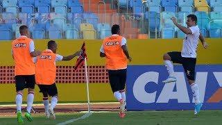 Vitória bate o Atlético-GO em Goiânia e chega ao terceiro triunfo na Série A.Gols: André Lima e Uilliam Correia (VIT); Andrigo (ATG)