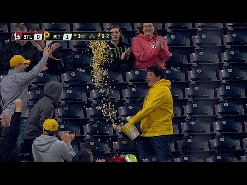 Fan Catches baseball With Popcorn Container