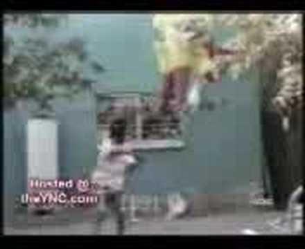 Divertidos bloopers rompiendo la piñata