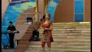 آهنگ زنده یاد هایده با صدای فیروزه خواننده تاجیک: شب ها همه اش به ميخانه ميرم من