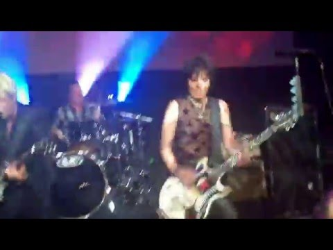 Surprise Show By Green Day w/ Joan Jett