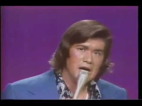 Wayne Newton Can't You Hear The Song and Daddy Don't You Walk So Fast 1972 live (видео)