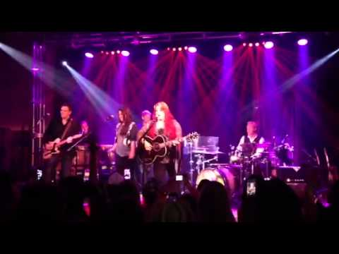 VIDEO - Kree Harrison sings w/her Idol Wynonna Judd!