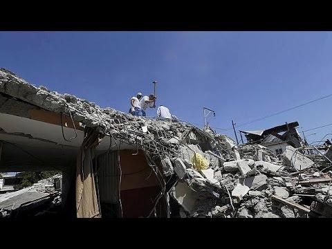 Σεισμός 6,2 R τρομοκράτησε τους κατοίκους του Ισημερινού – Ξεπερνούν τους 500 οι νεκροί