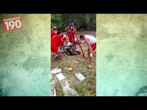 Video mostra Corpo de Bombeiros resgatando corpo em poço - ASSISTA
