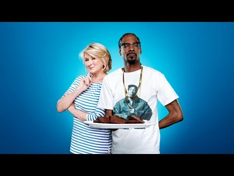Martha Stewart and Snoop Dog back for season 2 of 'Potluck Dinner Party'