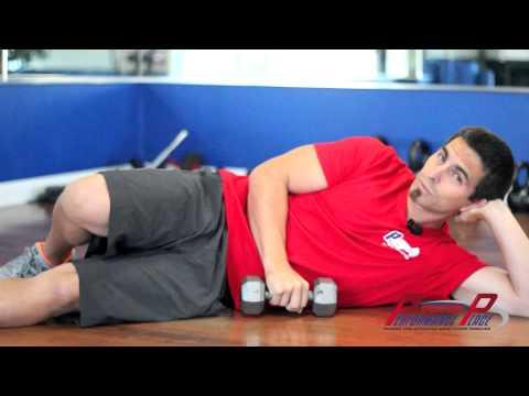 [Schulter] Außenrotation der Schulter am Kabel, liegend – Trainingsvideo